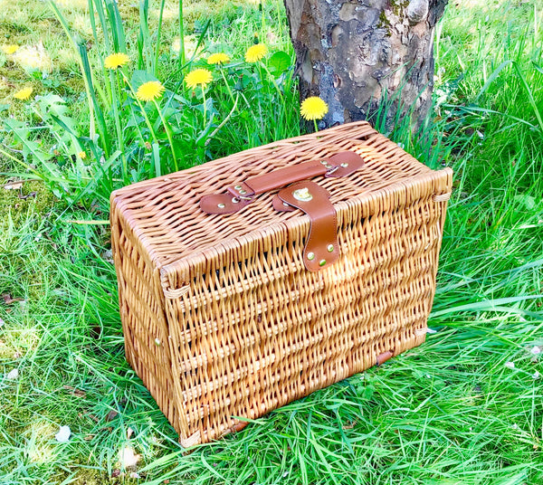 The Afternoon Tea  Picnic Hamper for 2