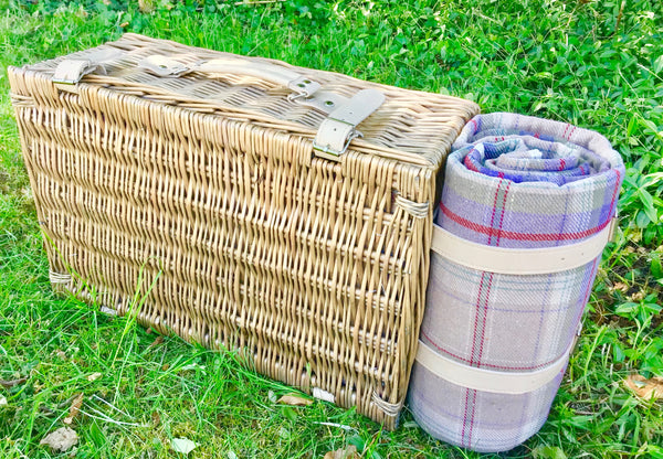 The Avignon - lavender tweed  willow Picnic Hamper for 4