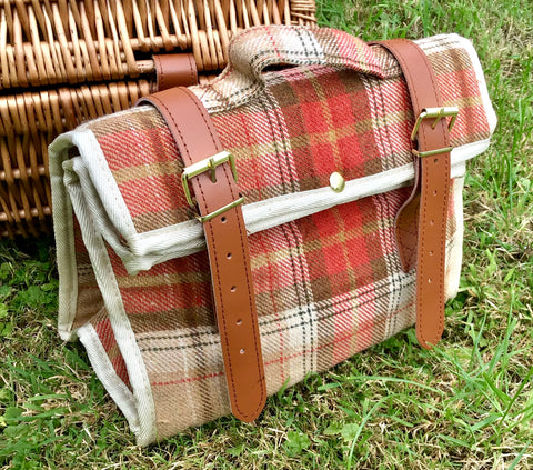 Insulated tweed cooler bags
