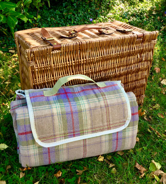 The Sussex  ivory fitted hamper for 6