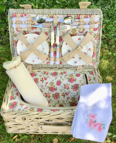 The Darling Buds of May - a fiited picnic hamper for 4