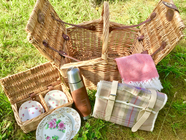willow basket picnic set