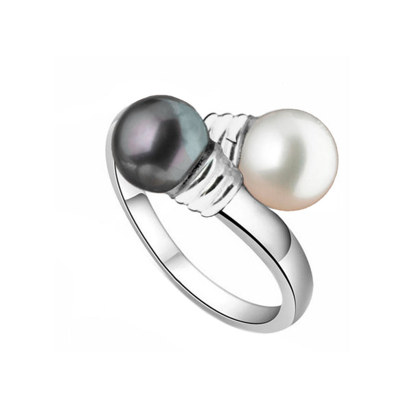 Black and White<br>Pearl Adjustable Ring