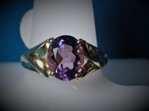 10 Kt Gold Amethyst Ring - Bestwire Jewelry