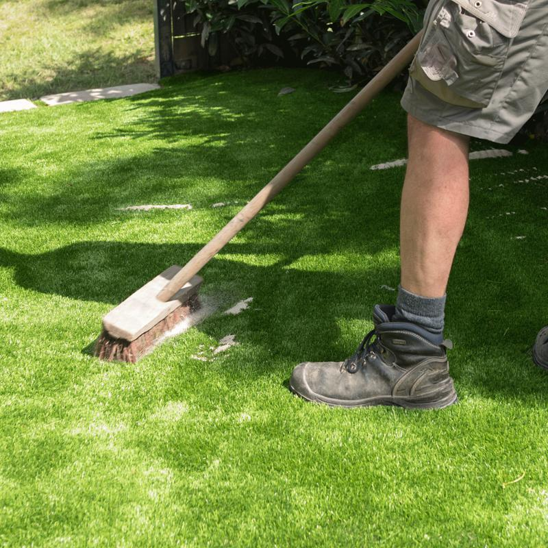 How to guide: Topdressing your lawn