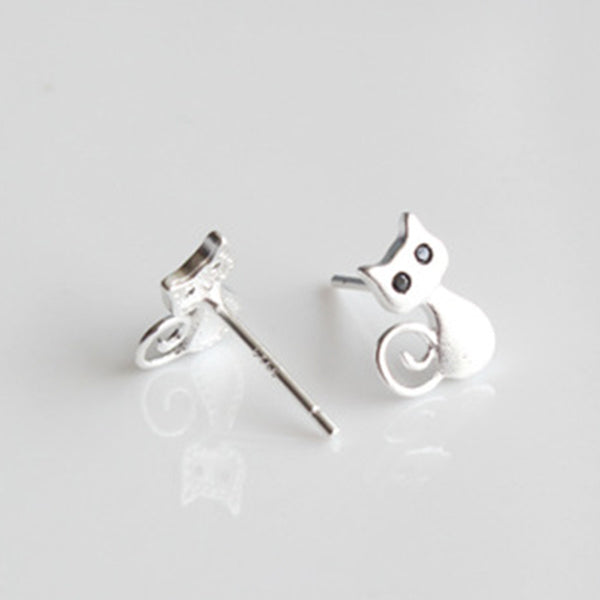 SILVER CAT STUD EARRINGS FOR GIRLS IN VELVET BAG OFFER