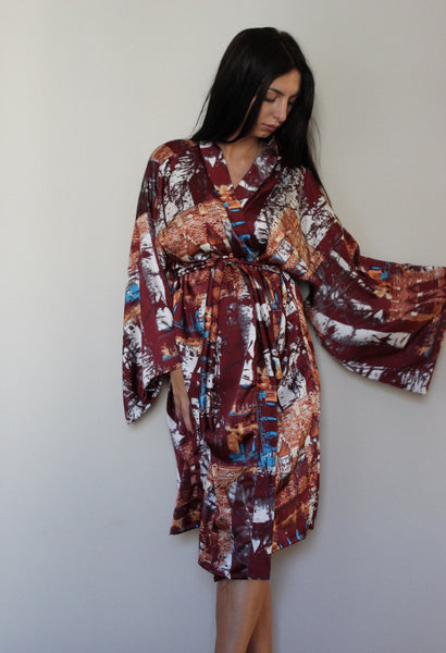 095085d456ea6 A Weekend in Roma Silky Kimono – Vintage Tramp