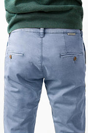 The Chino Azul Tossa Regular Fit