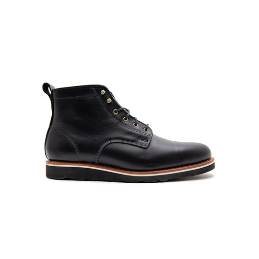 Ayers - HELM Boot in black side view