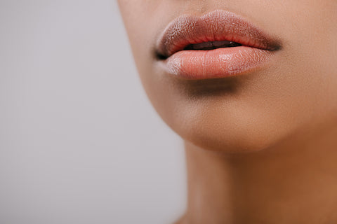 upclose of dry lips