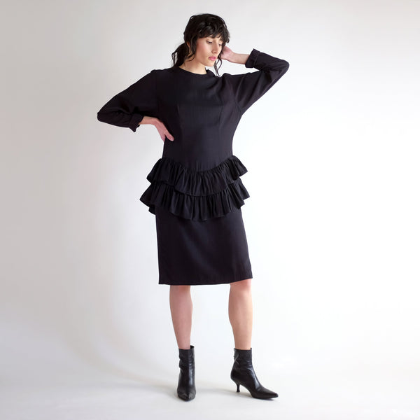 Vintage 90s Dropwaist Ruffled Batwing Dress in Black - Sz 9/10