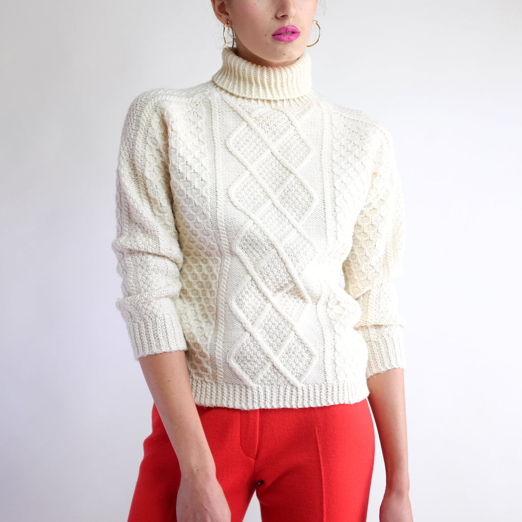 Vintage 70s Cable Knit Wool Fishermans Sweater in Ivory