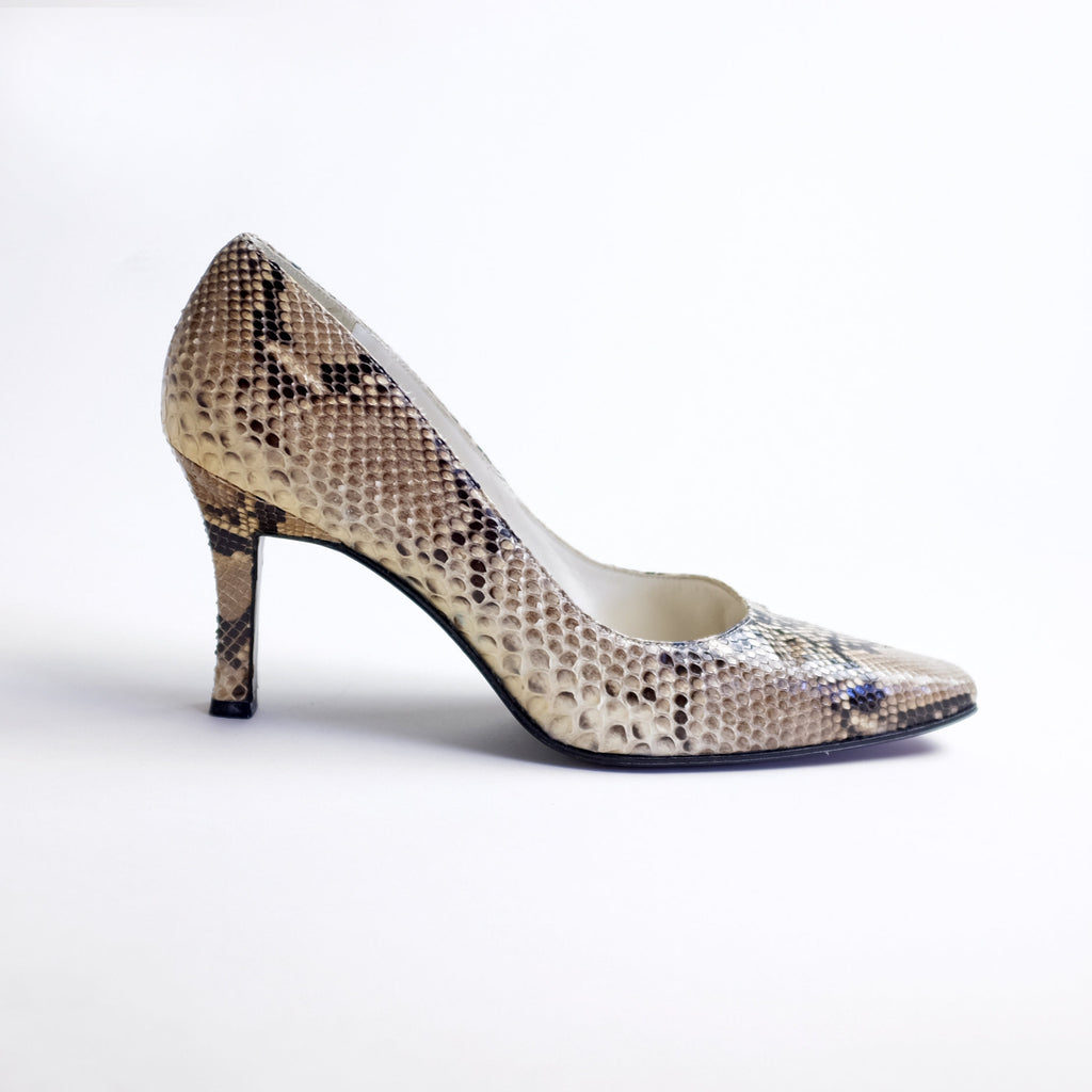 2f6f29322ad27 Vintage Stuart Weitzman Genuine Snakeskin Leather Pumps (9.5AA)
