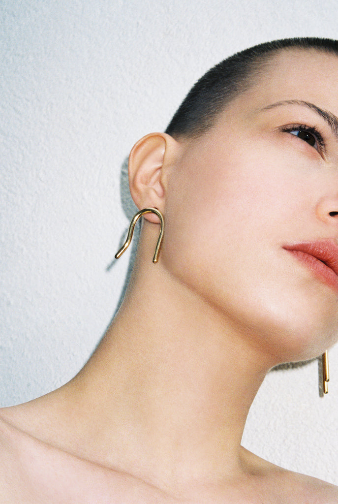 Cave earrings gold