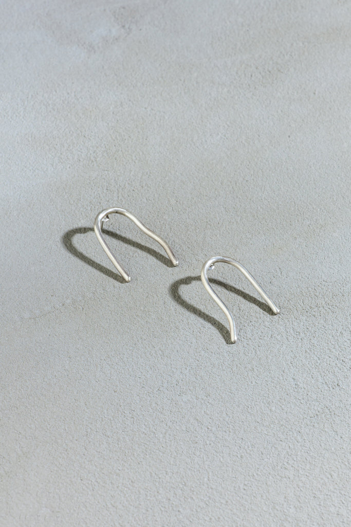 Cave earrings silver