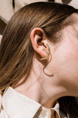 Waves ear cuff