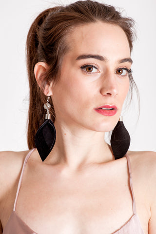 The Leaf earrings - black & silver