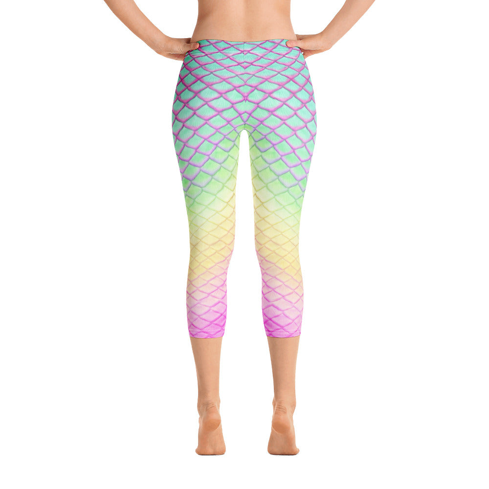 Parrotfish Paradise Capri Leggings