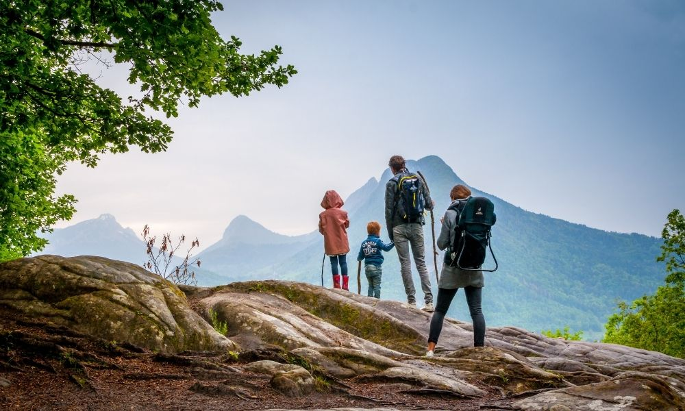 Top Tips for a Fun Family Hike