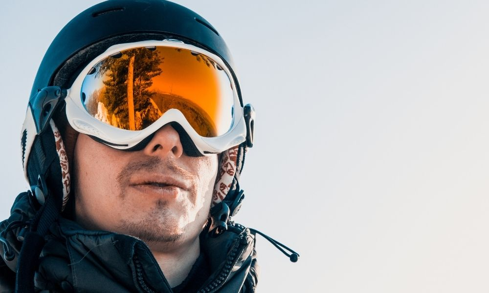 How To Keep Your Face Warm While Skiing and Snowboarding