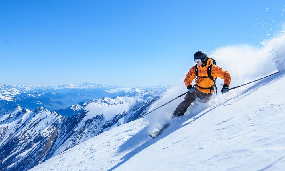 Best Materials To Keep You Warm During Winter Activity