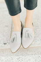 Carter Open Side Flat in Grey - Bohme