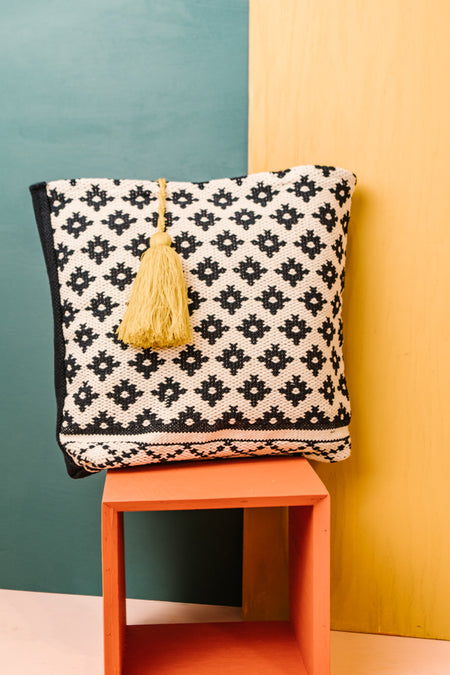 It's No Hassle Tassel Tote