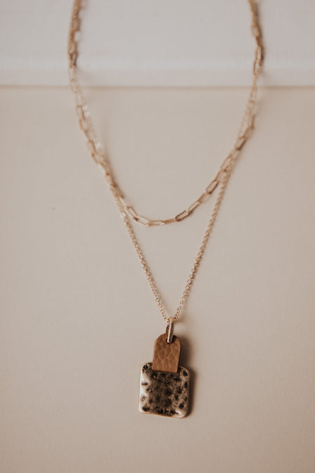 Kai Pendant Necklace in Tan