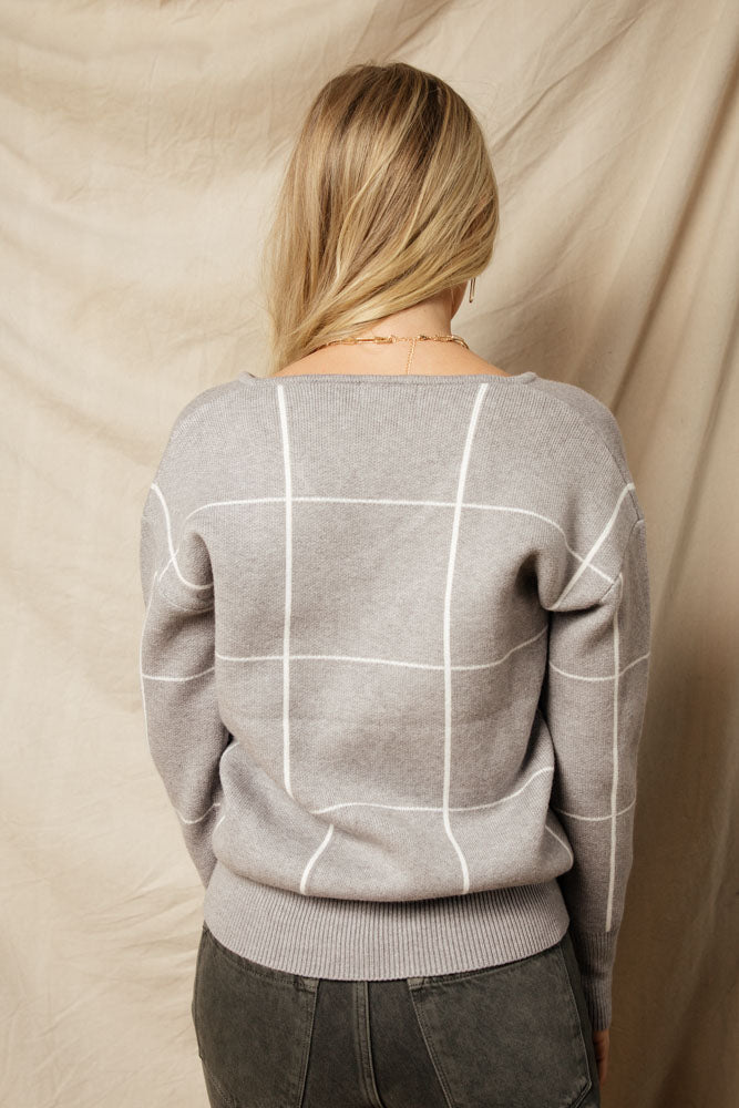 Nia Plaid V-Neck Sweater in Grey