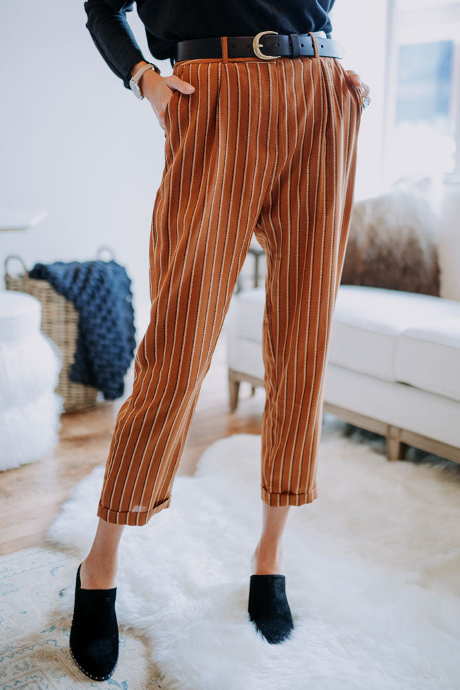 Tapered Crop Bottoms in Camel