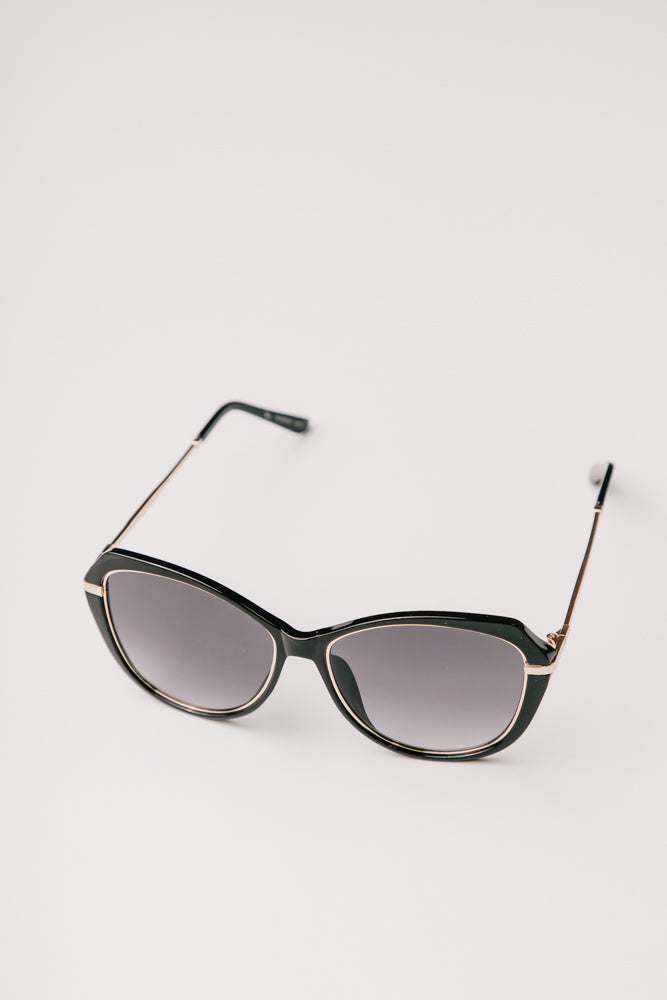 black sunglasses bohme