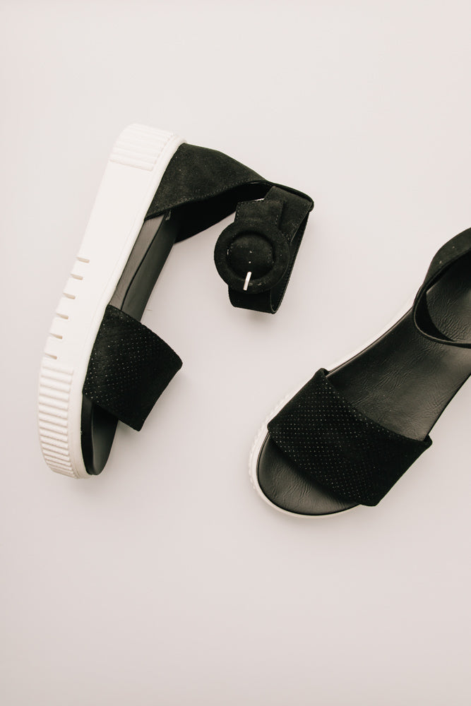 MIA Rosanna Platform Sandals in Black