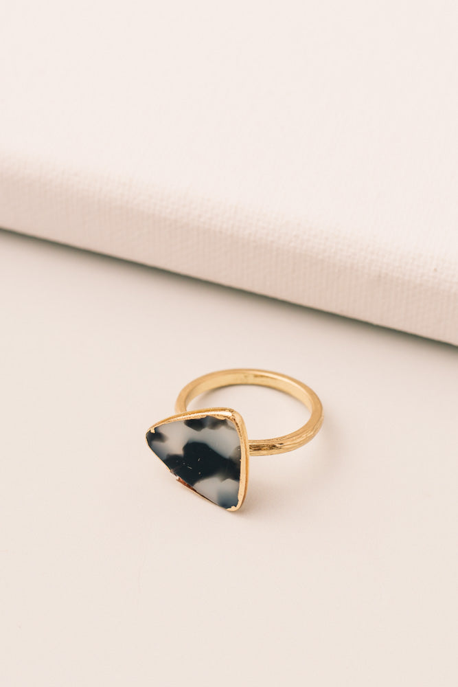 Triangle Stone Ring in Black