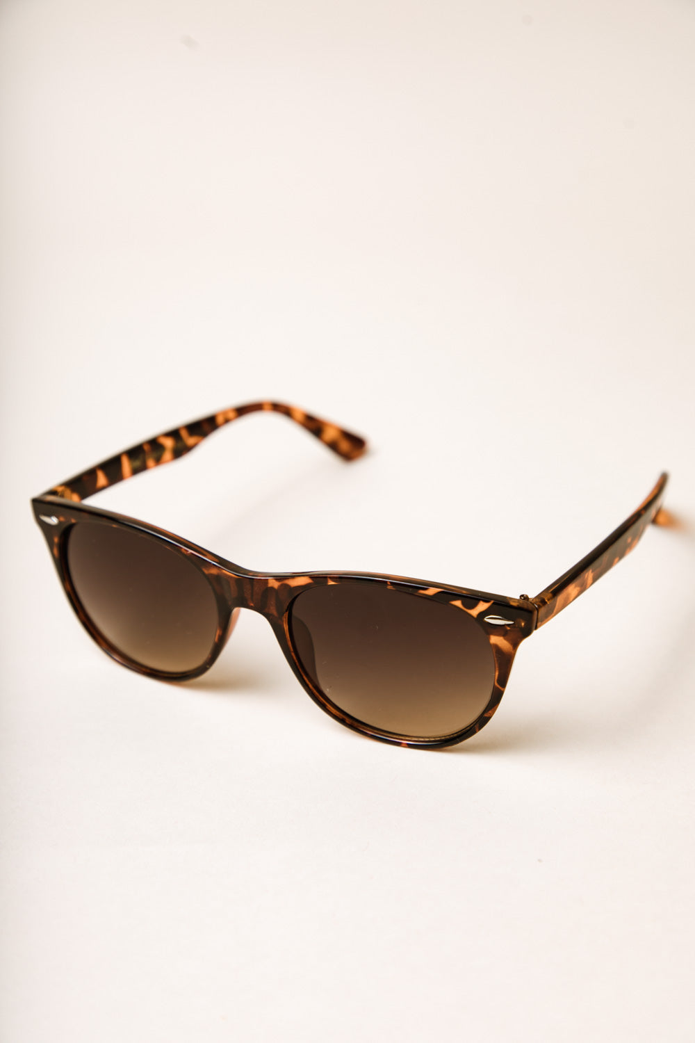 Hollywood Lights Sunglasses in Leopard