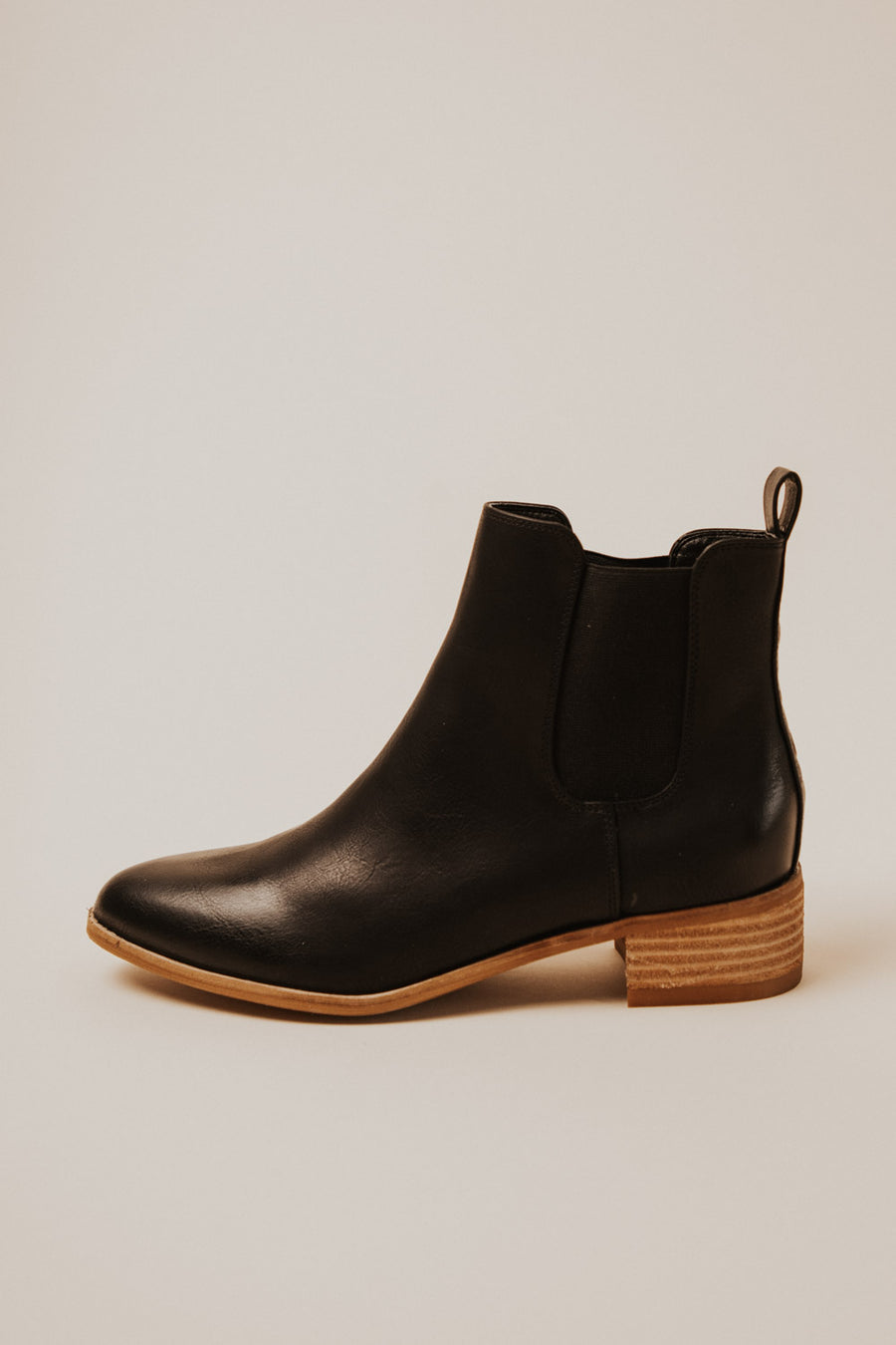 Norway Chelsea Boots in Black