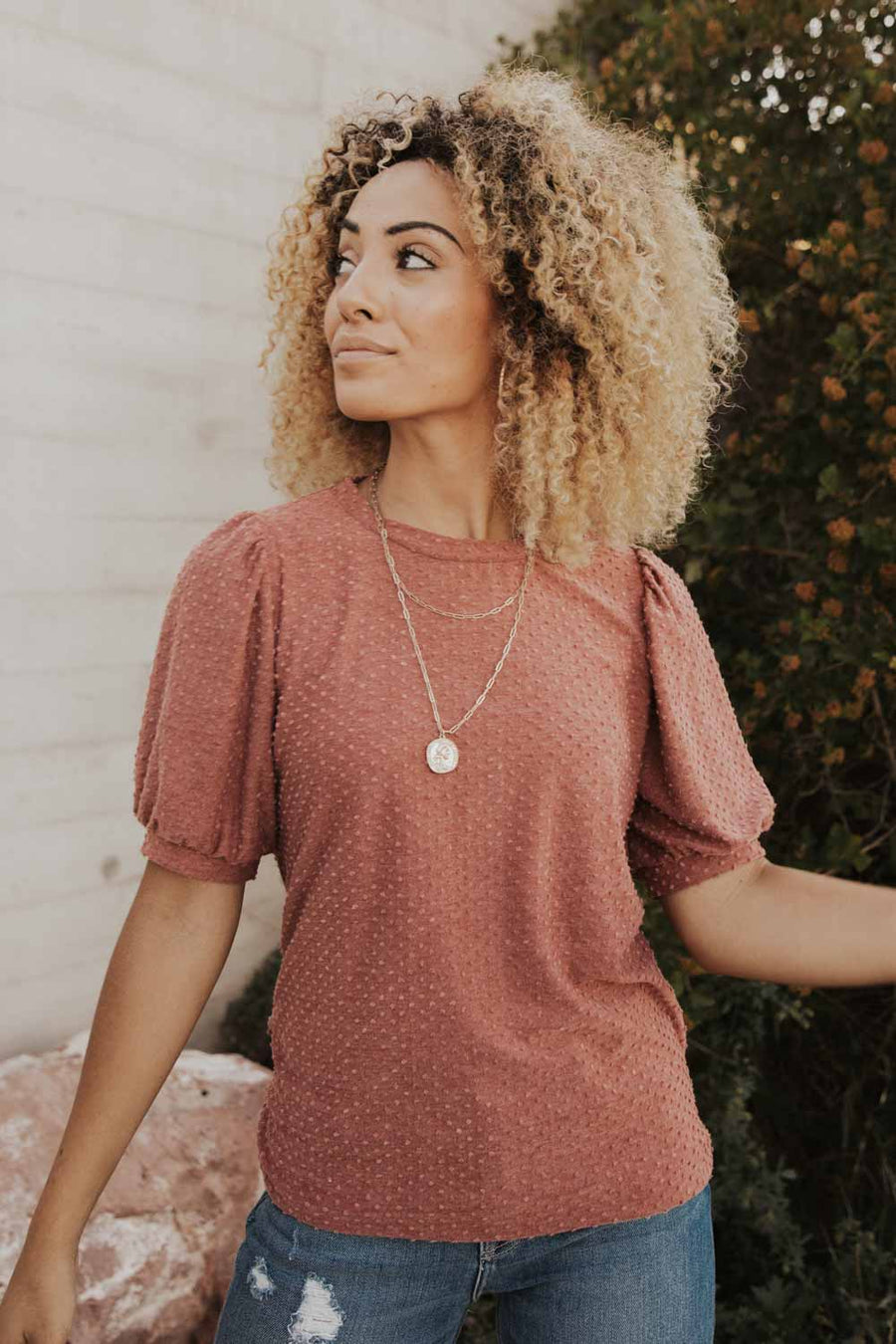 Textured Dot Puff Sleeve Tee in Mauve