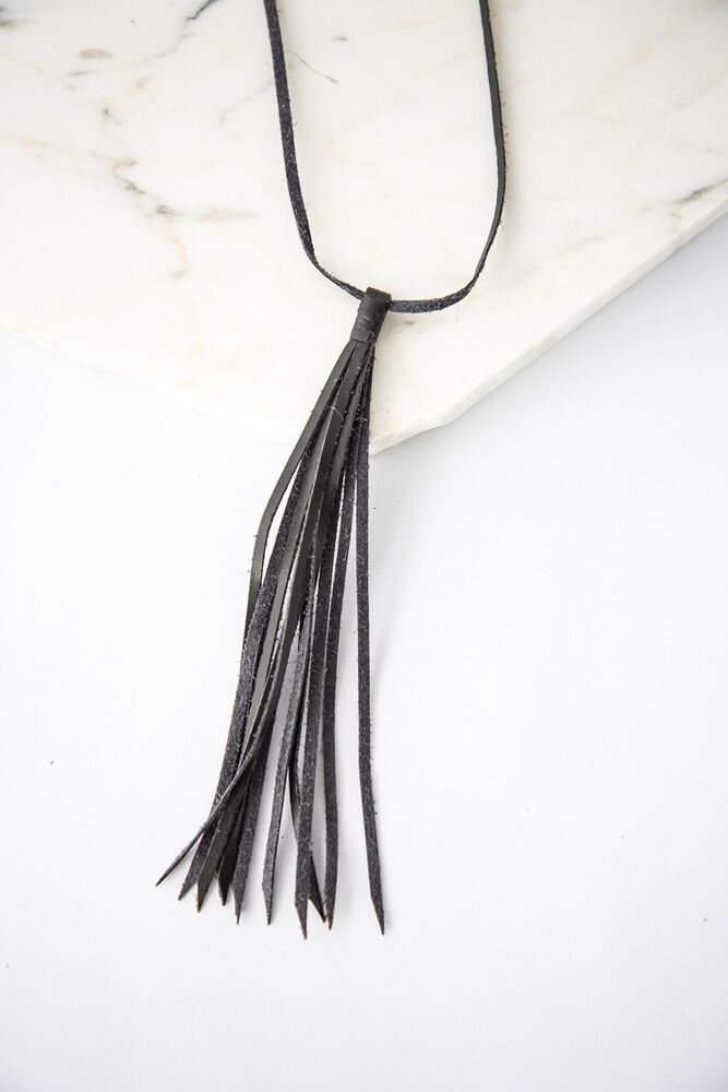 Leather Tassel Tie Necklace in Black