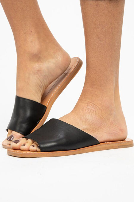 Dolce Vita Cato Black Leather Sandals - Bohme