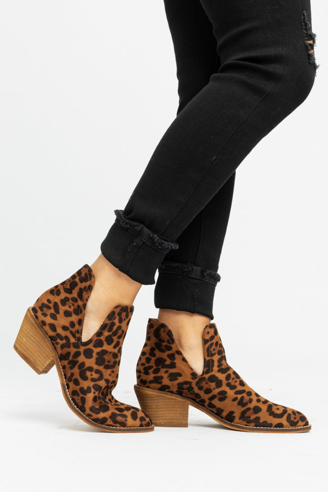 Sunny Boot in Leopard - Bohme