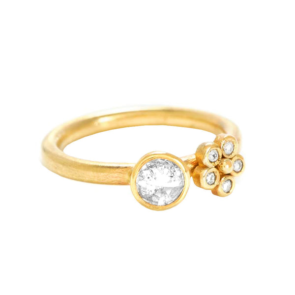 Bella Ring in 18k Gold with Diamonds - Lauren Sigman Collection
