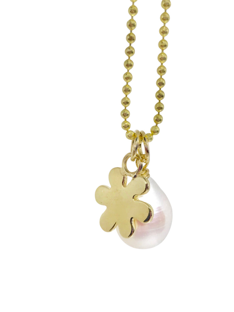 Pearl and baby daisy charm necklace - Lauren Sigman Collection