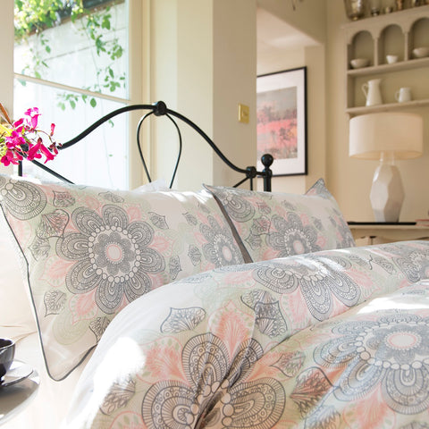 A Wonderful Large Scale Spiral Floral Print Adorns This Beautiful Retro  Vintage Duvet Cover Set. In Subtle Grey And Pink Tones And Finished With A  Neat ...