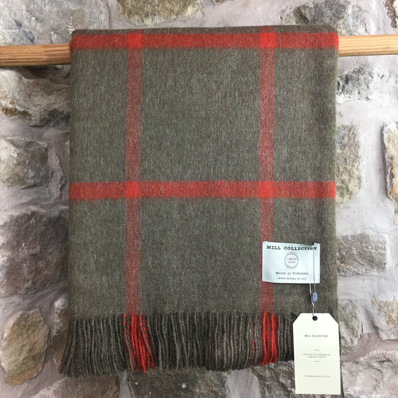 Moons Brown and Red Check Pure New Wool Throw