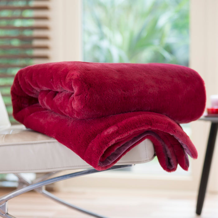 Casa Red Faux Fur Throw 130 x 180 cm