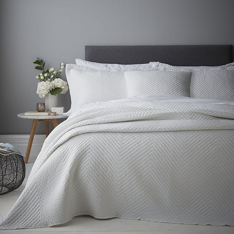 Stone Wash Diagonal Bedspread White
