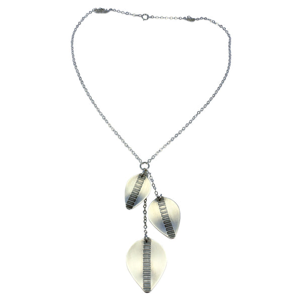 Argent Leaf | Triple Leaves Necklace