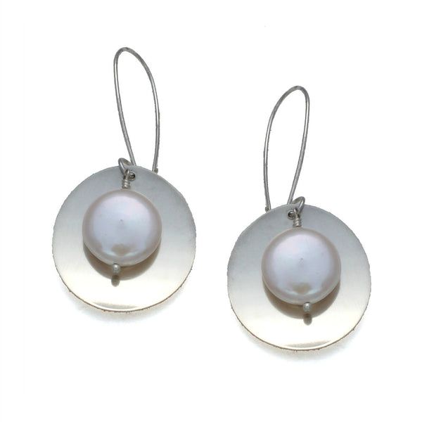 Natural Beauty | large brushed disk w/coin pearl earring