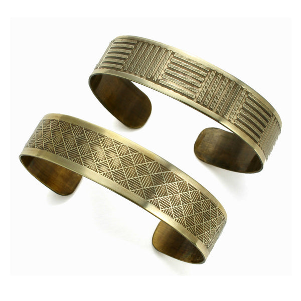 Neo-Metric Cuff | textured band cuff
