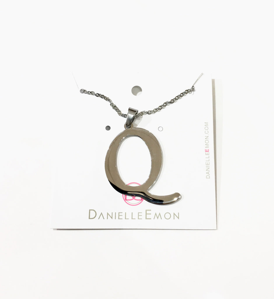 Q Initial necklace - Danielle Emon