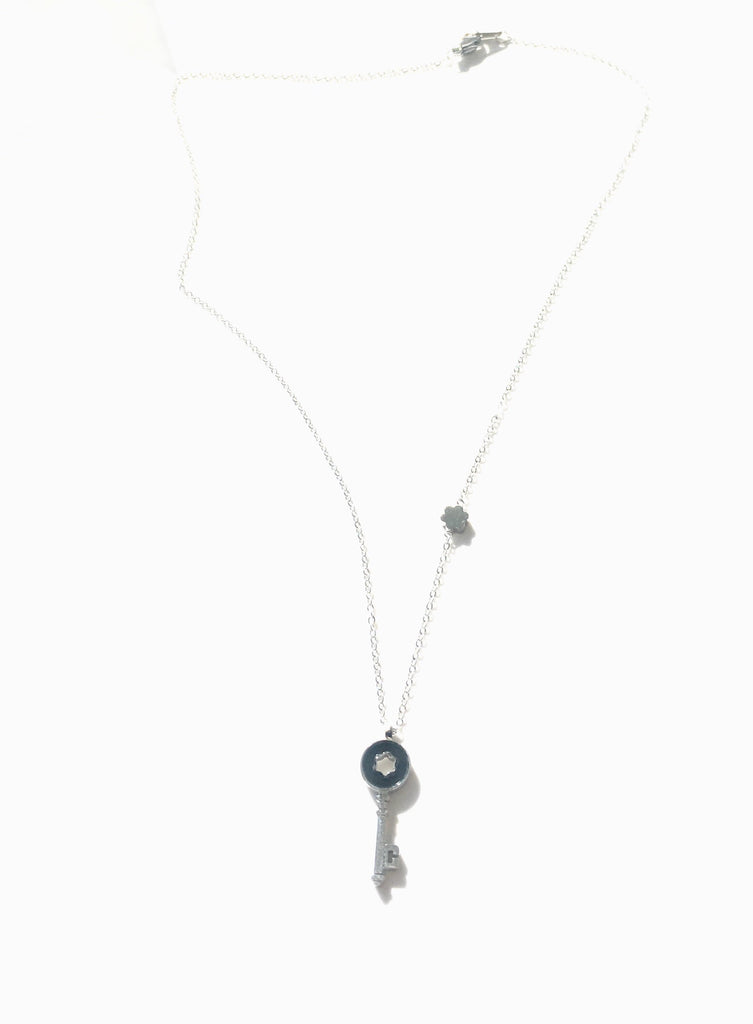 Key to my heart necklace - Danielle Emon